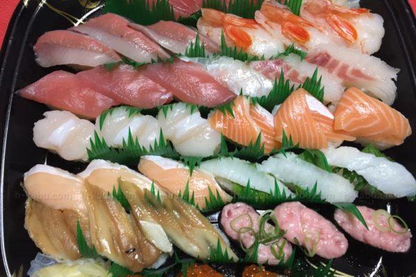 かっぱ寿司で持ち帰りしてきました